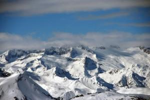 Macizo de la Maladeta 300x199 Top Destinos para Esquiar en España