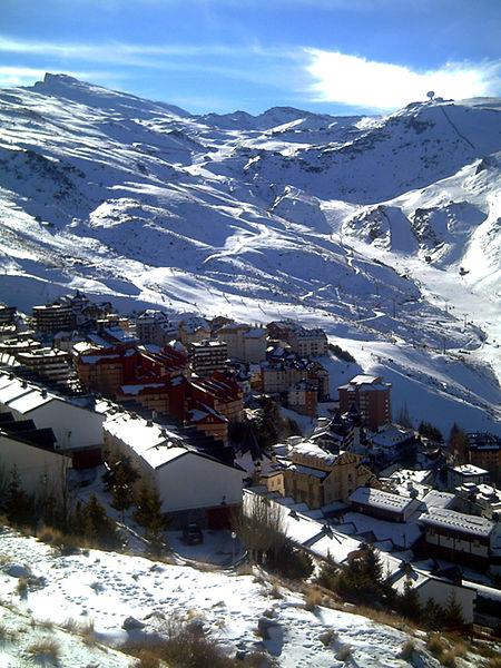 Pradollano Sierra Nevada Top Destinos para Esquiar en España